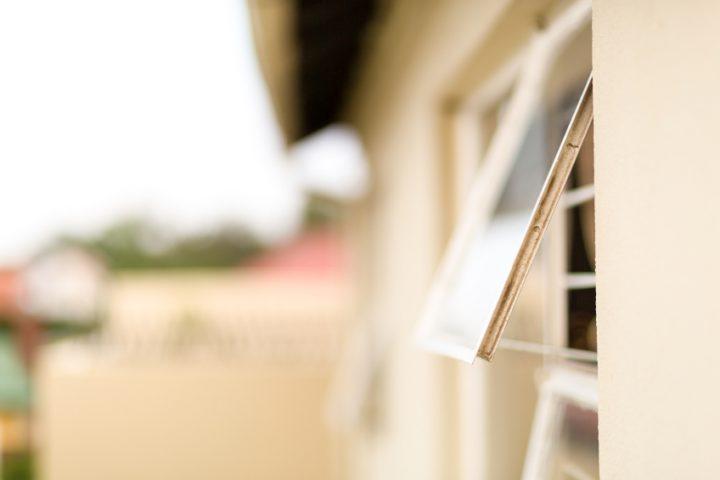 Oberlichtfenster öffnen