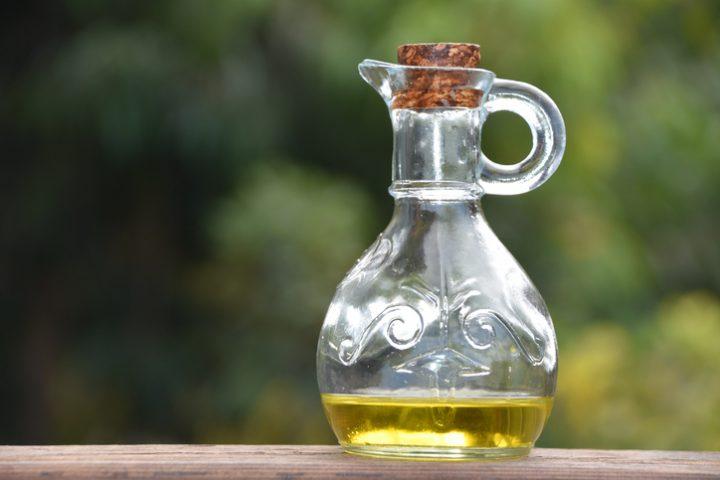 Ölflasche abwaschen