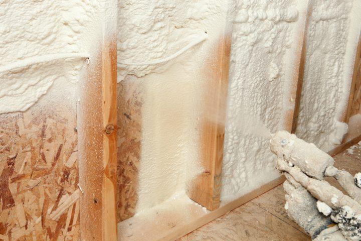 Bauschaum Dachdämmung