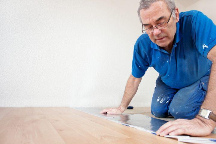 PVC-Planken verkleben