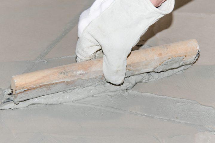 PVC-Boden auf Fliesen verlegen