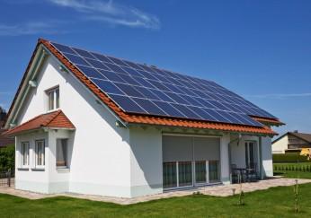 photovoltaik dachziegel wie sie funktionieren wer sie anbietet. Black Bedroom Furniture Sets. Home Design Ideas