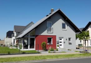 plusenergiehaus als fertighaus was ist das was kostet es. Black Bedroom Furniture Sets. Home Design Ideas