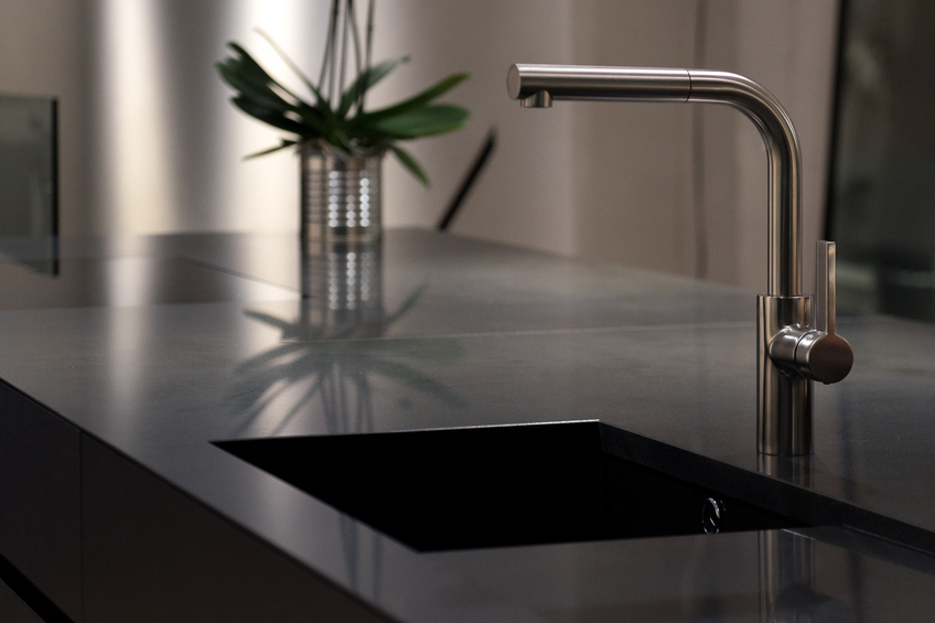 quarzkomposit sp le reinigen so machen sie 39 s richtig. Black Bedroom Furniture Sets. Home Design Ideas