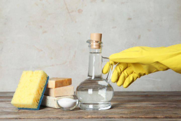 Essigessenz für die Reinigung