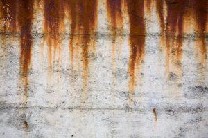 Rost auf Beton