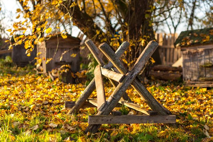 Prächtig Sägebock selber bauen » Anleitung in 3 Schritten @JT_76