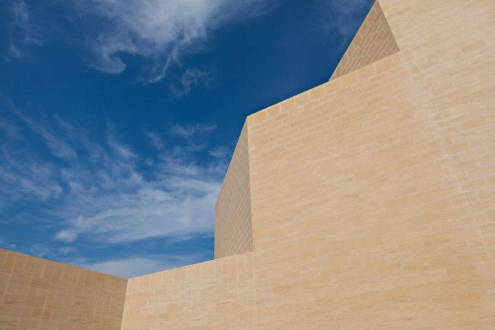 Sandsteinmauer reinigen