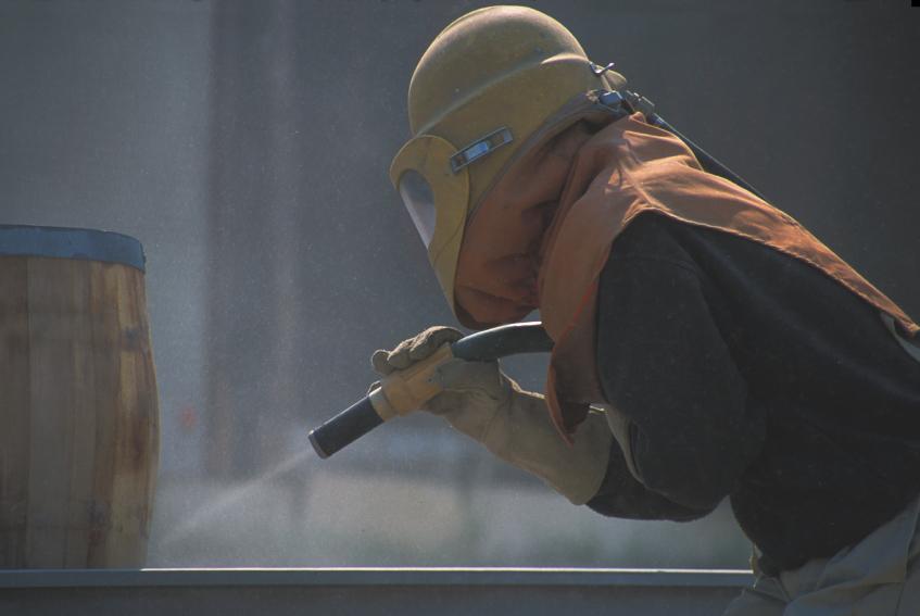 Sandstrahlen mit Quarzsand – die Gefahren