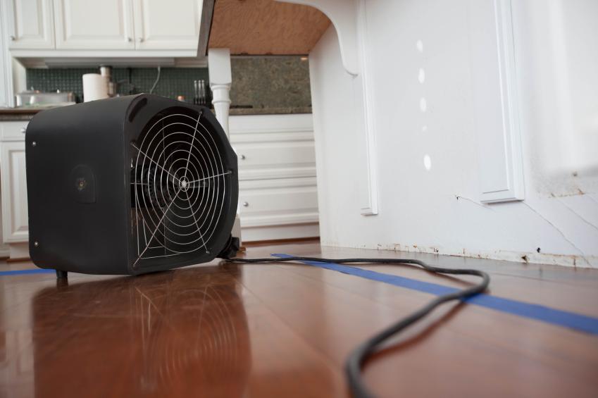schimmel austrocknen ist das m glich. Black Bedroom Furniture Sets. Home Design Ideas