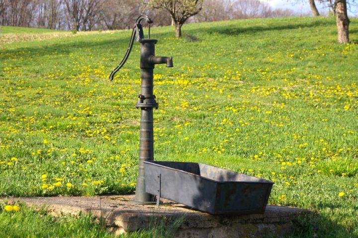 Schlagbrunnen reinigen