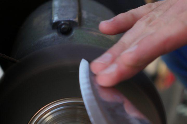 Messer schärfen Schleifmaschine