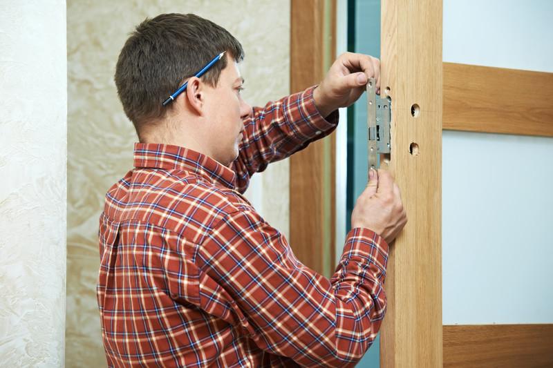 T rschloss klemmt ursachen und abhilfe - Comment poser des paumelles sur une porte ...