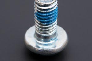 Schraube mit Schraubensicherung