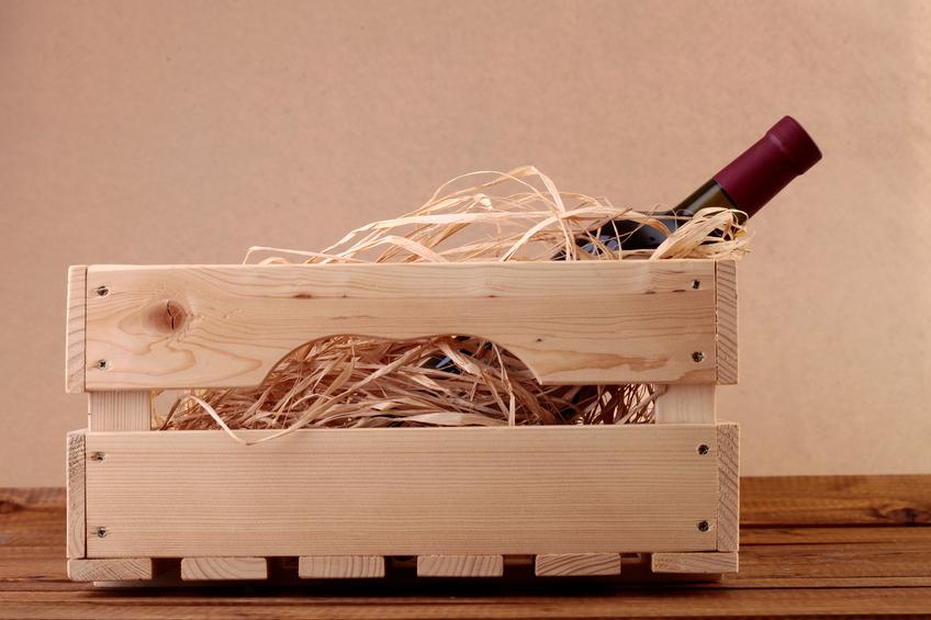 schreibtisch aus weinkisten bauen eine anleitung. Black Bedroom Furniture Sets. Home Design Ideas