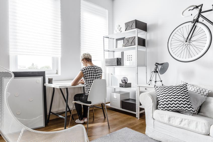 schreibtisch im wohnzimmer l sungsideen. Black Bedroom Furniture Sets. Home Design Ideas