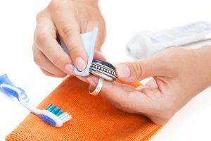 Silber mit Zahnpasta putzen