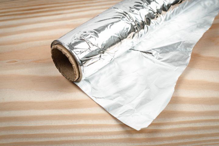 Silber mit Alufolie säubern