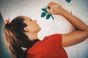 Silikatfarbe auf tapezierter Wand