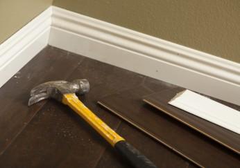 sockelleisten montieren anleitung mit vielen tipps. Black Bedroom Furniture Sets. Home Design Ideas