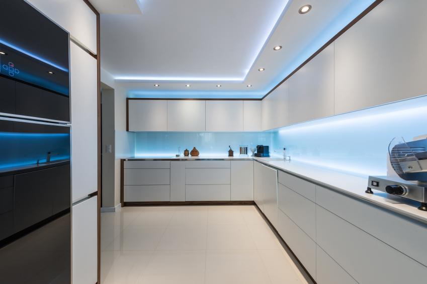 Spanndecke für die Küche » Die Vor- und Nachteile