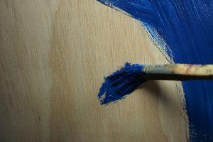Sperrholz streichen