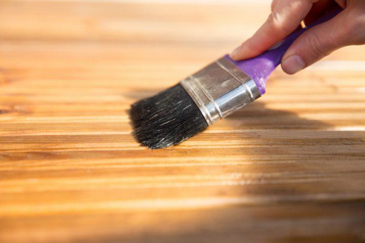 Sperrholz mit Öl behandeln