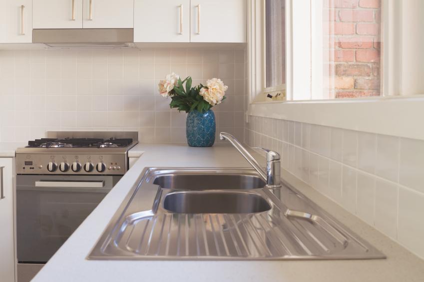 edelstahl oder keramiksp le. Black Bedroom Furniture Sets. Home Design Ideas