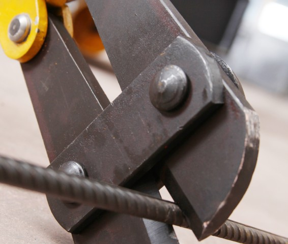 Stahlseil schneiden » Werkzeuge, Techniken & Schwierigkeiten