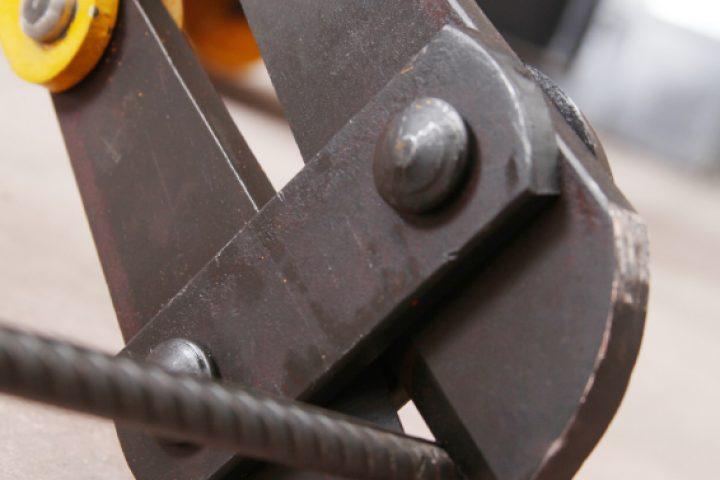 Stahlseil durchtrennen