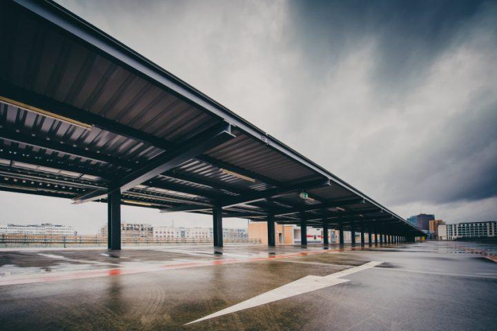 Parkplatz Stahlträger