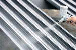 Stahlträger streichen