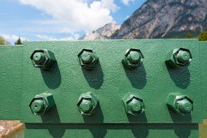 Stahlträger Schrauben