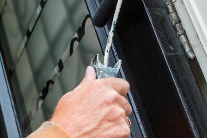 Stahltür lackieren