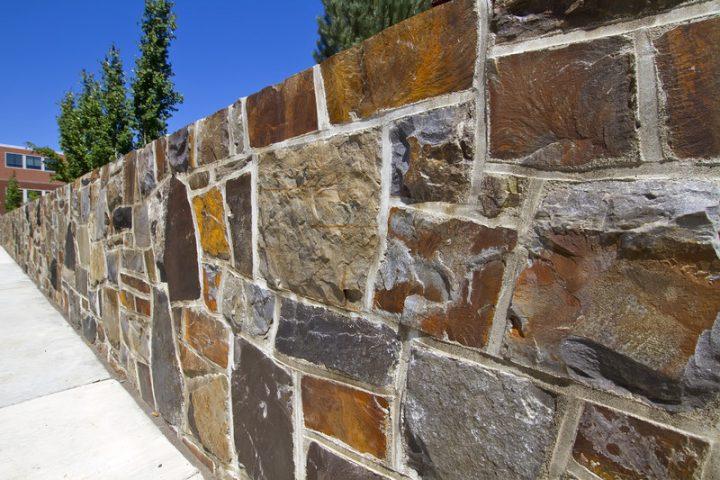 steinmauer bauen » detaillierte anleitung in 5 schritten, Gartenarbeit ideen
