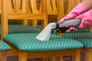 Stuhlpolster säubern