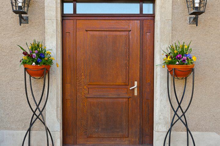 Tür fällt zu