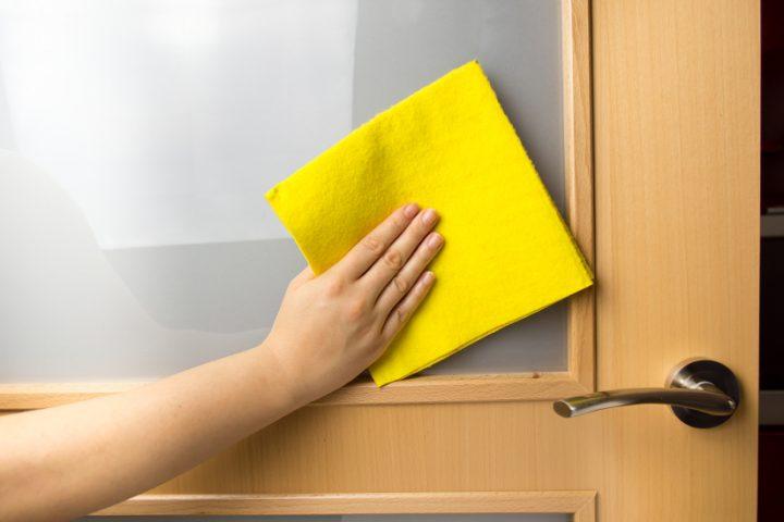 Extrem Türen reinigen » 5 wirksame Mittel & Methoden RG04