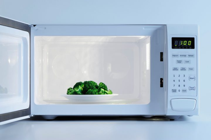 Mikrowelle Teller erhitzt