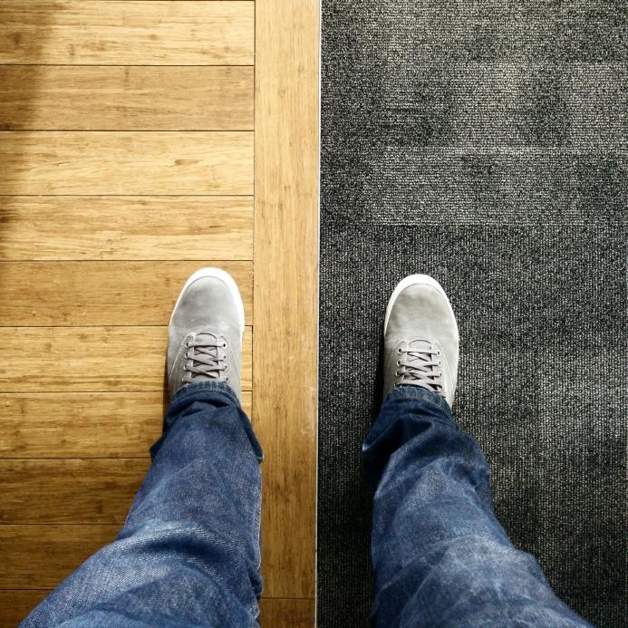 teppich oder laminat die vor und nachteile im vergleich. Black Bedroom Furniture Sets. Home Design Ideas