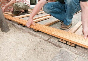 terrassendielen unterkonstruktion selber bauen 4 schritt anleitung. Black Bedroom Furniture Sets. Home Design Ideas