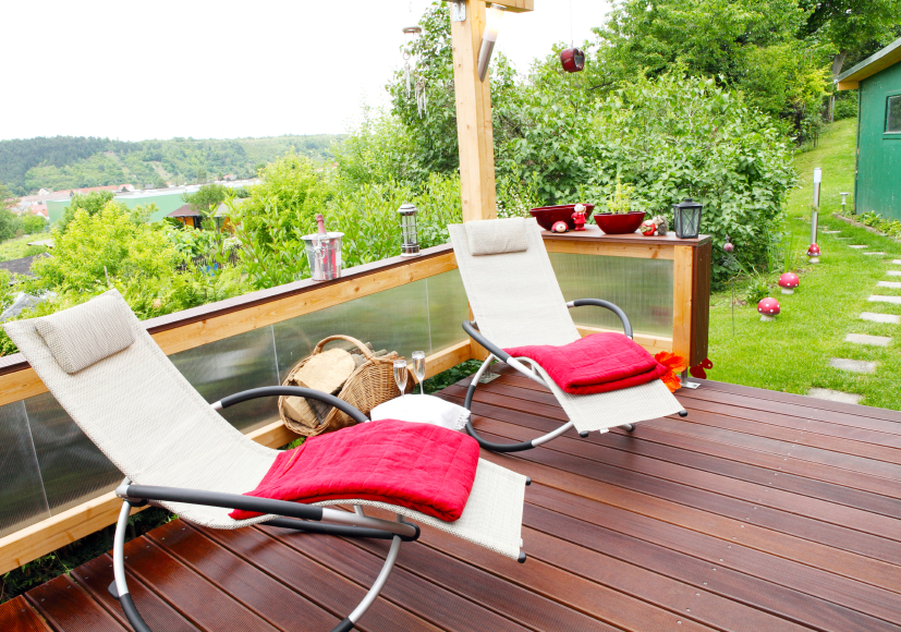 terrassenholz reinigen anleitung in 4 schritten. Black Bedroom Furniture Sets. Home Design Ideas