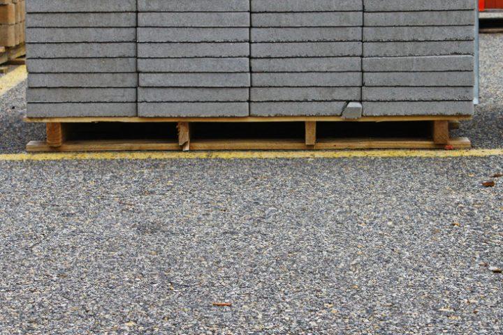 Terrassenplatten in Splitt verlegen