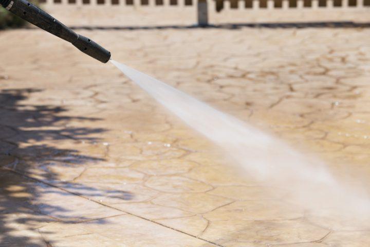 Bevorzugt Terrassenplatten reinigen » Die richtigen Hausmittel dafür AN53