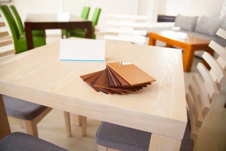 Tisch Kosten