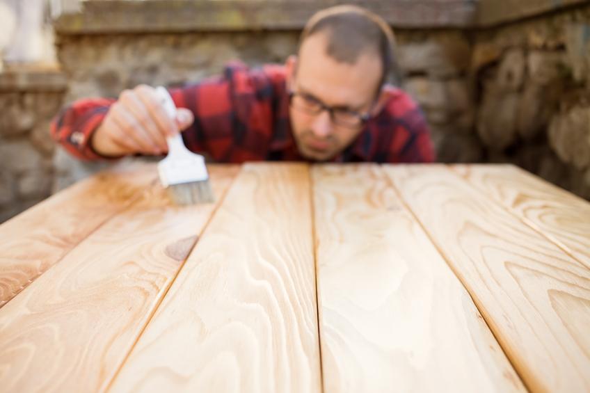 tisch sch tzen so ist ihr tisch vor flecken kratzern sicher. Black Bedroom Furniture Sets. Home Design Ideas