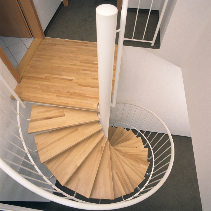 Holztreppe Verschönern treppe mit parkett das sollten sie beachten