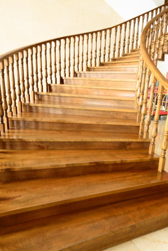 Treppe Aufarbeiten treppe abkleben womit wie macht das