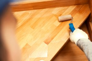 Treppe lackieren ohne Schleifen