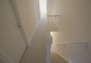 Treppe tapezieren so wird 39 s gemacht - Fliesen losen ohne beschadigung ...
